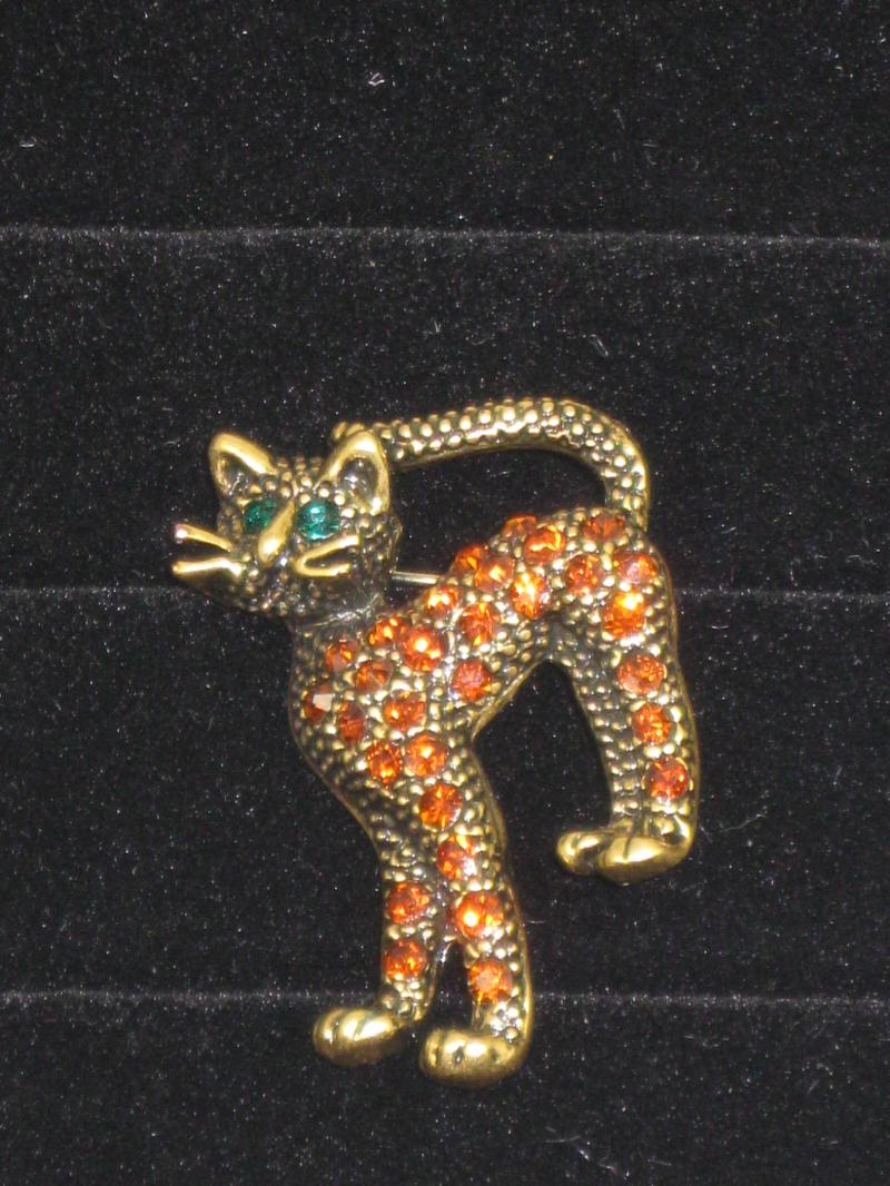 Fabulous Gold coloured Cat Brooch with Amber diamantes