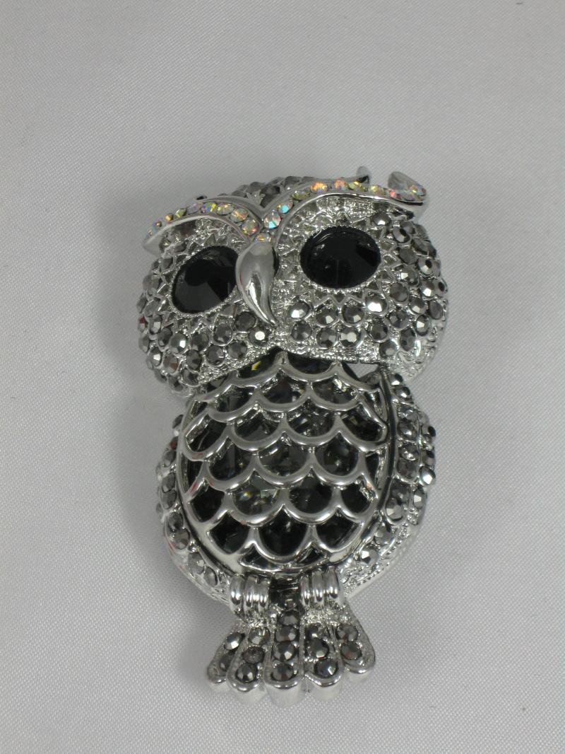 A Beautifully chunky Owl Brooch with Filigree Body and Diamantes