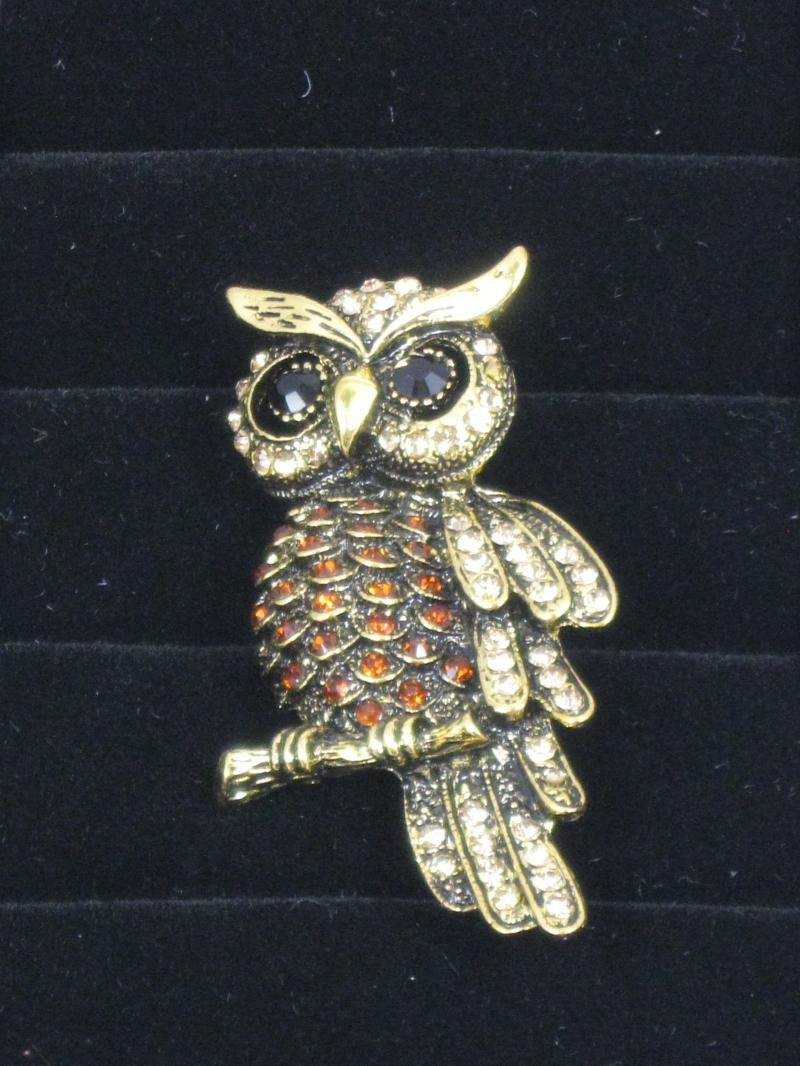 Beautiful Tawny Owl Brooch with Amber Diamantes