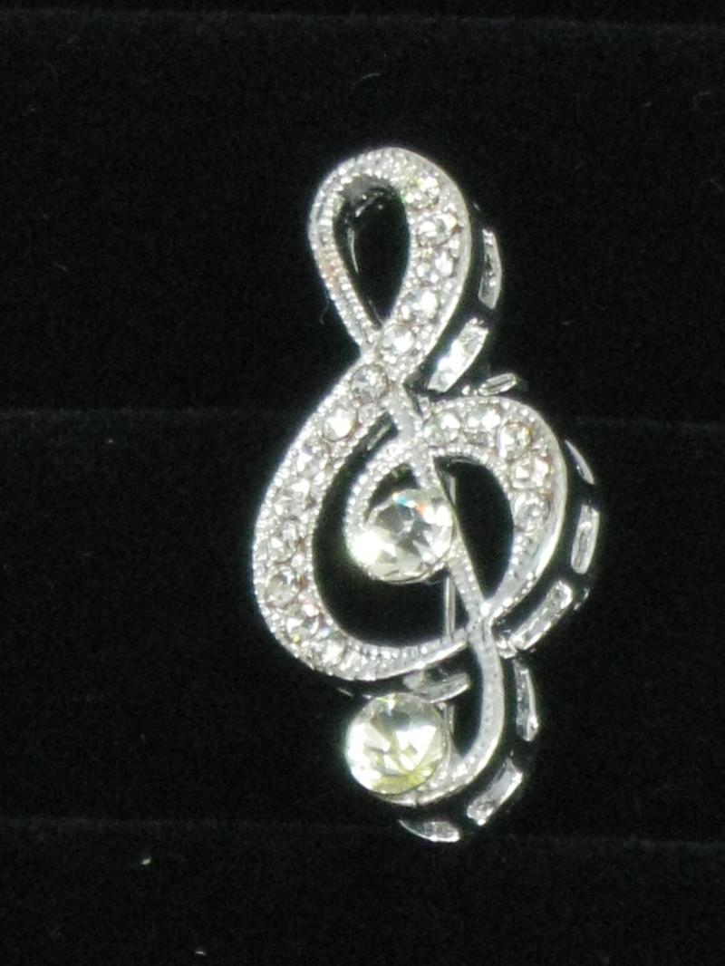A Music Note Treble Clef Brooch with Diamantes