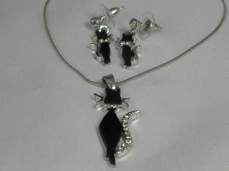 Lucky Black Cat Necklace and Earrings Set