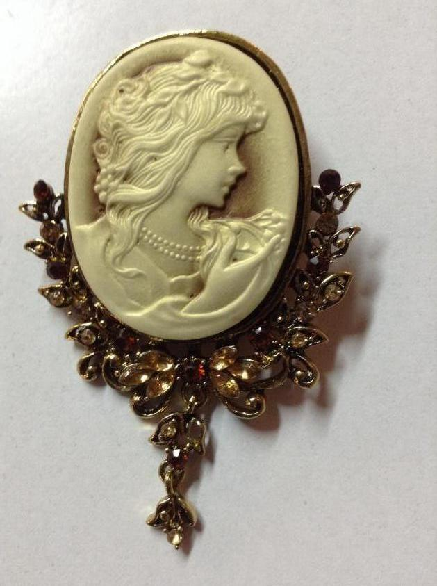 Stunning Cameo Brooch or Pendant