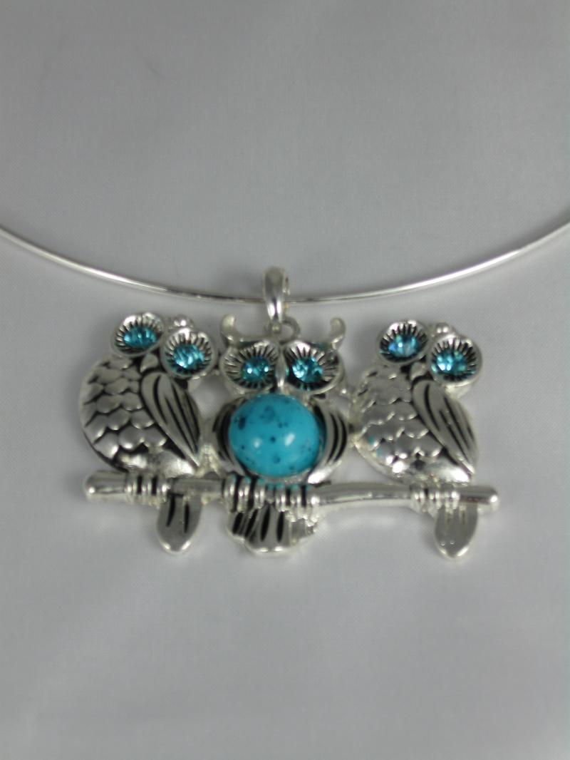 Absolutely delightful Three Owl Turquoise and Silver Collar Necklace