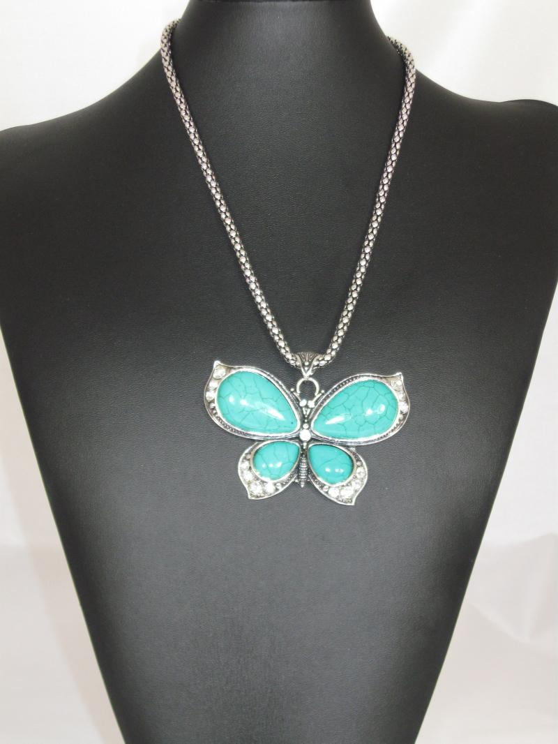 Beautiful Butterfly Necklace with Diamantes