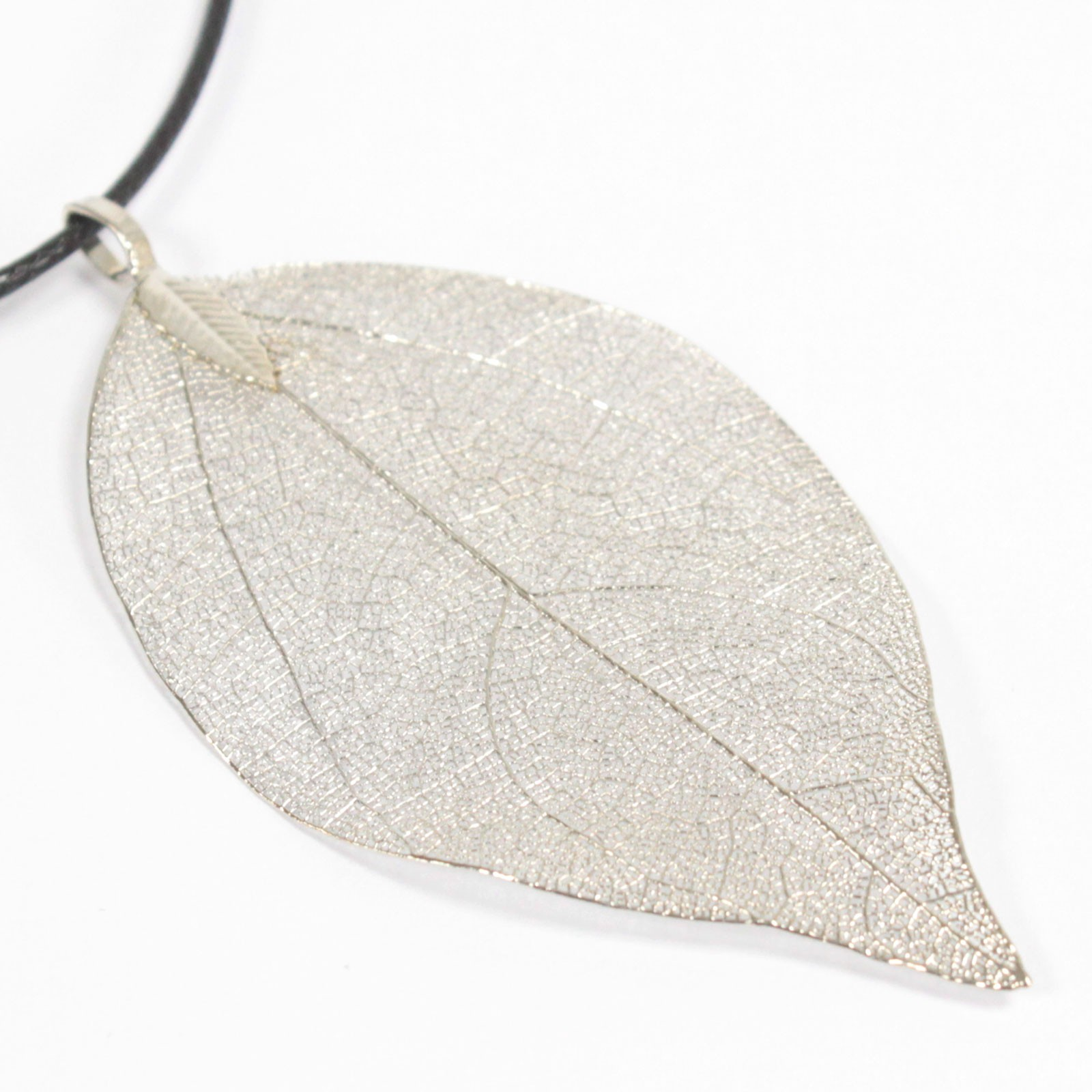 Necklace - Bravery Leaf - Silver